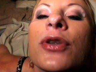그녀는 누구입니까?저 여자 이름이 뭐에요?
