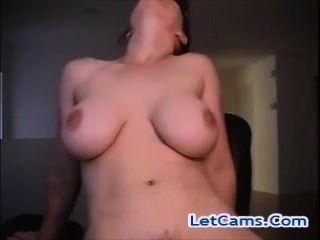 섹시한 춤과 승마 장난감 라이브 웹캠 freesexcams 털이 milf