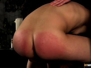 붉은 장미 빛 엉덩이에 씨발
