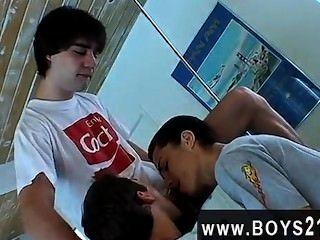 하드 코어 게이 이것은 가장 섹시한, 가장 변덕스러운 3 길짜리 젊은이의 일부입니다