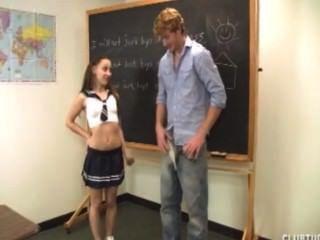 그녀의 선생님 떨어져 귀여운여 학생 바보