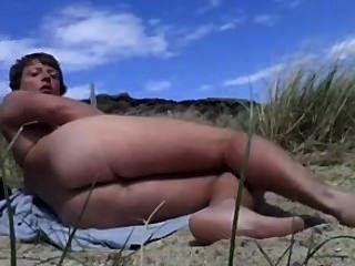 똑 바른 naturist 소년