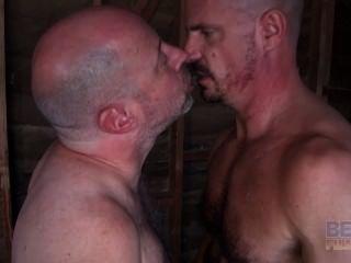늙은 게이 근육 좆