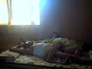 인도 커플 혼자 집 03