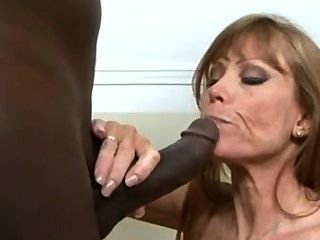 darla 크레인 내 아내가 큰 검은 수탉을 사랑한다.