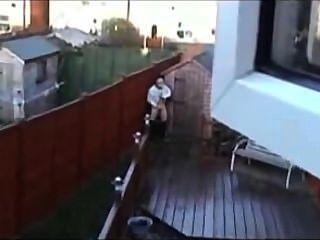 옥상에서 경련을 일으켰다.