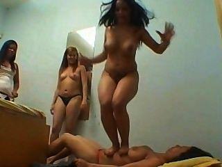 milf lesbian trample 파트 3