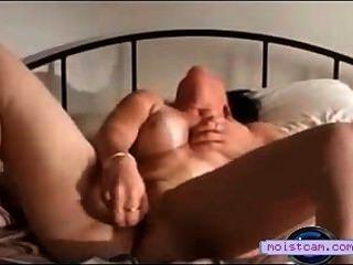 [xxx cam] horney 성숙한 그녀의 젖은 음부에 장난감을 때 리고![moistcam.com]