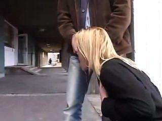 오줌, 그녀의 달콤한 입 키스뿐만 아니라