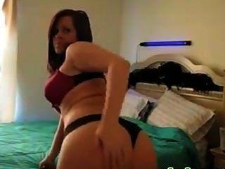 뜨거운 소녀 스트립과 그녀의 엉덩이를 떨고 al84