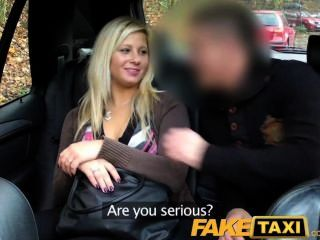 faketaxi 금발은 뒷자리에 빠져와 빌어 먹을 이야기