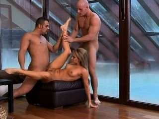 Aleska Diamond Bachelorette Bang