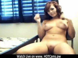 라이브 캠 짧은 머리 금발 웹캠 www.hotcams.pw에 그녀의 성기를 dildoing