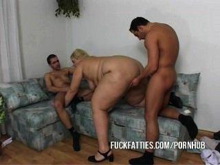 뚱뚱한 여자 간호사 남자와 그의 친구 진짜 좋은