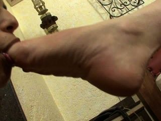 brzfeet_face_stomping_part1_of_6