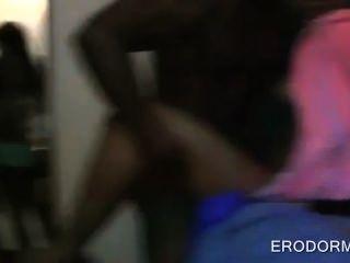 아프리카 계집애와 기숙사 방과 대학 괴롭힘 당당한 성난 하드 코어