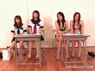 완벽 한 입으로주고 배우는 대학 아시아 여자