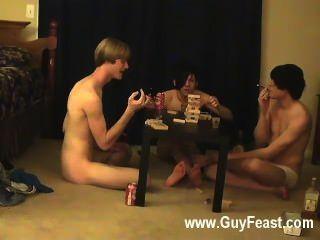 뜨거운 동성애 장면 추적 및 윌리엄은 그들의 새로운 동료 austin와 함께 얻는다