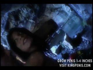 동굴에서 엿 같은 화려한 베이비 엉덩이