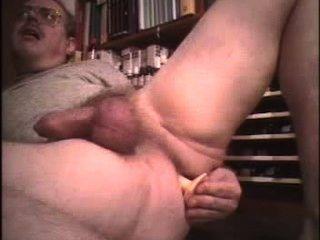 대머리 뚱뚱한 뚱뚱한 엉덩이는