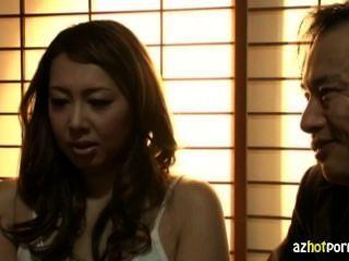 결혼 한 아시아 여자 하드 코어 노출