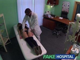의사와 주어진 creampie에 의해 유혹 된 fakehospital hot 20s 체조 선수