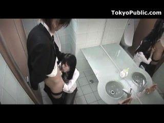 숨겨진 캠 일본 여자 공공 얼굴 점점
