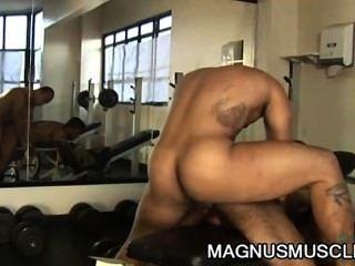 더글러스 주인과 matheus axell : 라틴계 근육 버프 엉덩이 중독자
