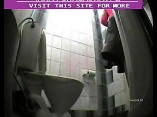 공중 화장실에 숨겨진 카메라