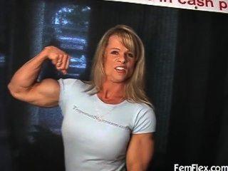 엘레나 근육 굴곡