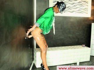 엉덩이에 유럽의 창녀 writhing