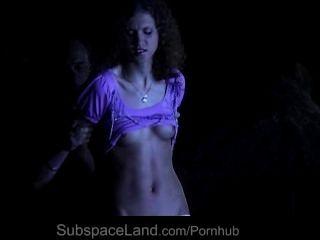두 명의 노예 소녀를위한 bdsm의 테러와 제출