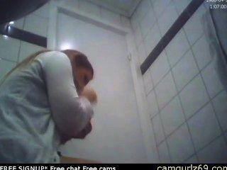 갈색 머리 아마추어 십대 화장실 엉덩이 숨겨진 캠 도촬 섹스 chatroom 온라인 sexc