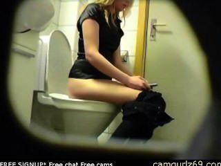 금발 아마추어 십대 화장실 엉덩이 엉덩이 숨겨진 스파이 캠 도촬 4 MSN 캠 섹스 오전