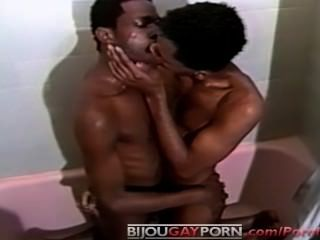 그늘에서 만든 2 빈티지 게이 모든 흑인 캐스팅 샤워 섹스