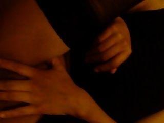 검은 색 스타킹의 항문 섹스