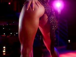 에로틱 한 예술 스트립 댄스 폴 댄스