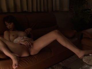 busty japanese babe는 그녀를 오르가즘 쾌락에 masturbates mdyd963