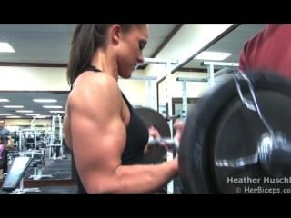 환상적인 heather huschle barbell curls