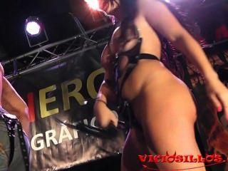 아만다 x driller 거시기 vicicillos에 의해 대중과 무대에 bigtits 갈색 머리