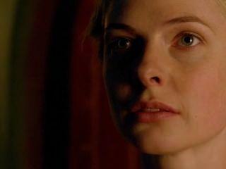 에밀리 berrington 하얀 여왕 누드 720p HD