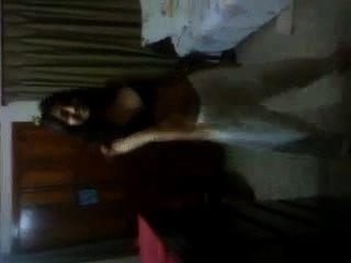 그녀의 침실에 bf와 masti를 가지고있는 방글라데시 abanti