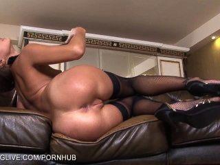 러시아어 아름다움 마리아 멜레나 팬티 스타킹에 그녀의 음부와 놀고