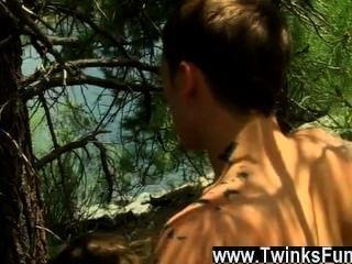 twinks xxx 그들의 막대기 빨기 기술은 그 (것)들에게 특별한 기장을 버려야한다, 그러나