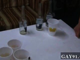게이 콕이 미시간 친구들은 확실히 파티하는 법을 안다.그래서이 중 하나