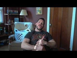 str8 근육 녀석은 포르노 \u0026 cums 떨어져 경련한다