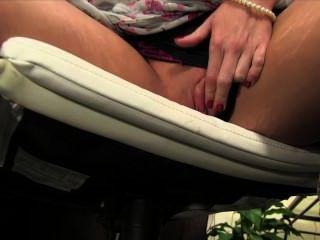 리 리 리드 (Reley Reid)와 함께 직접 포르노 파티 영화에 참석하십시오!