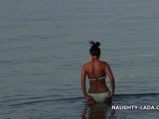 내 젖은 투명한 수영복