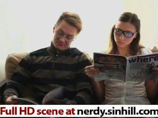 freerud nerdy.sinhill.com에 따르면 엿 같은 괴짜 러시아어 매력