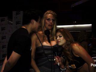 2015 년 AVN 어워드에서의 피셔 인터뷰